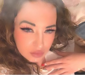 Suzy latino escorts Beaubassin East / Beaubassin-est
